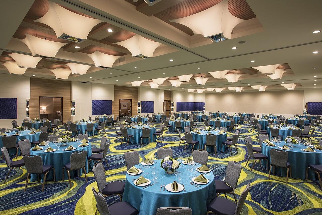 Modern LED Ballroom Chandeliers - CODAworx