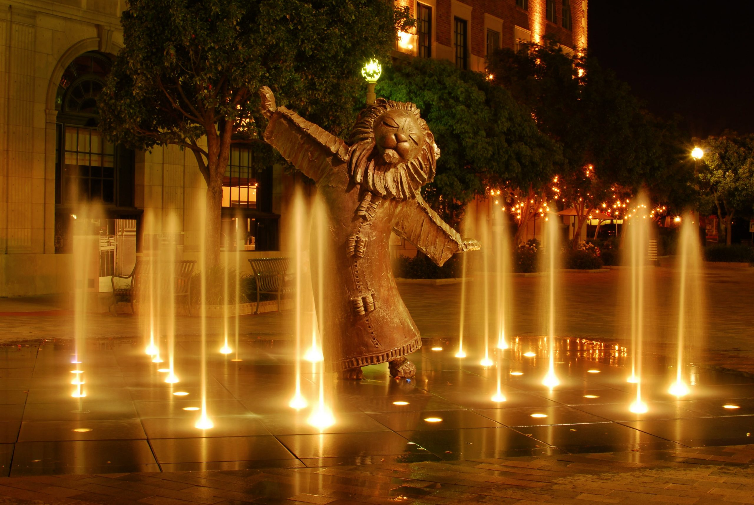 lion fountain photo by P3KNL-O-Graph