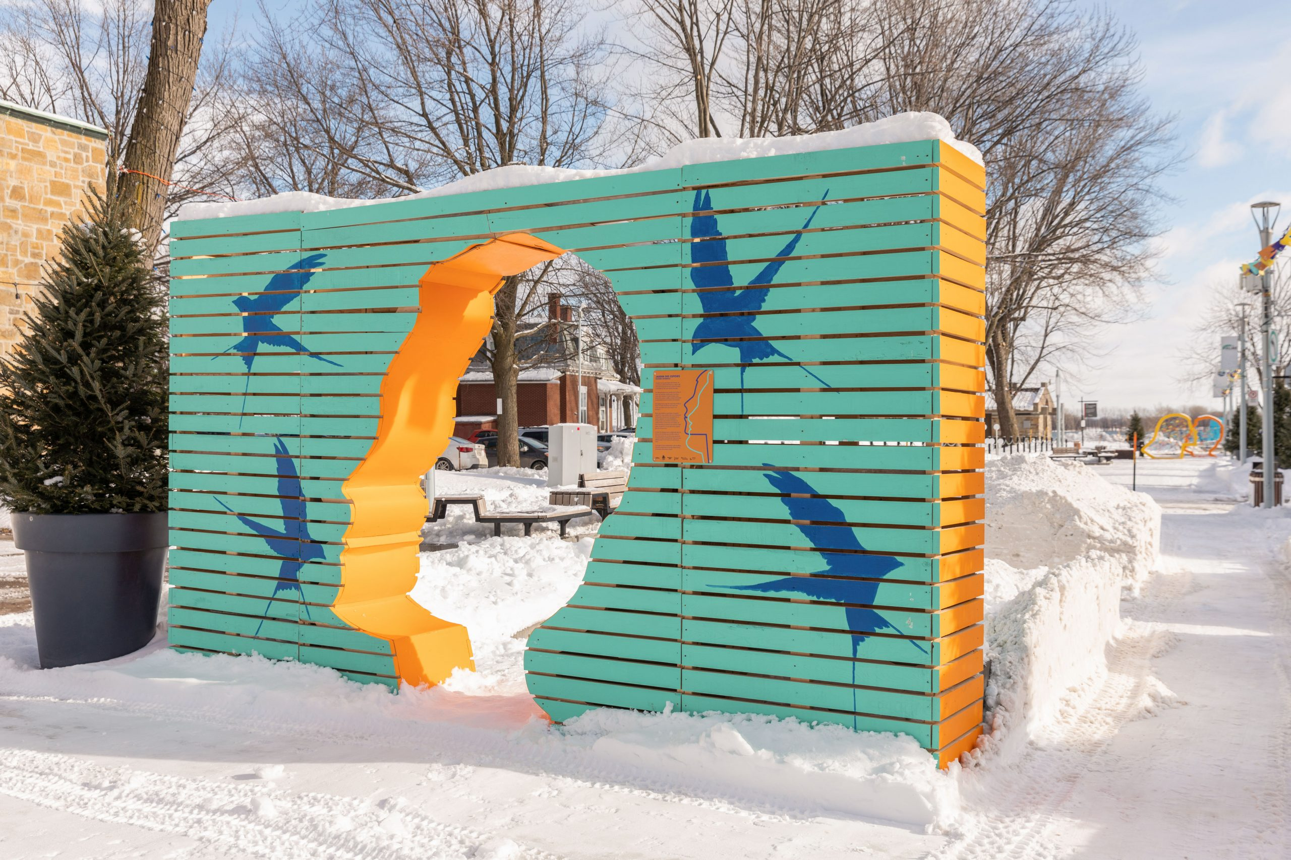 """""""Jardin des espoirs"""" Winter Station"""