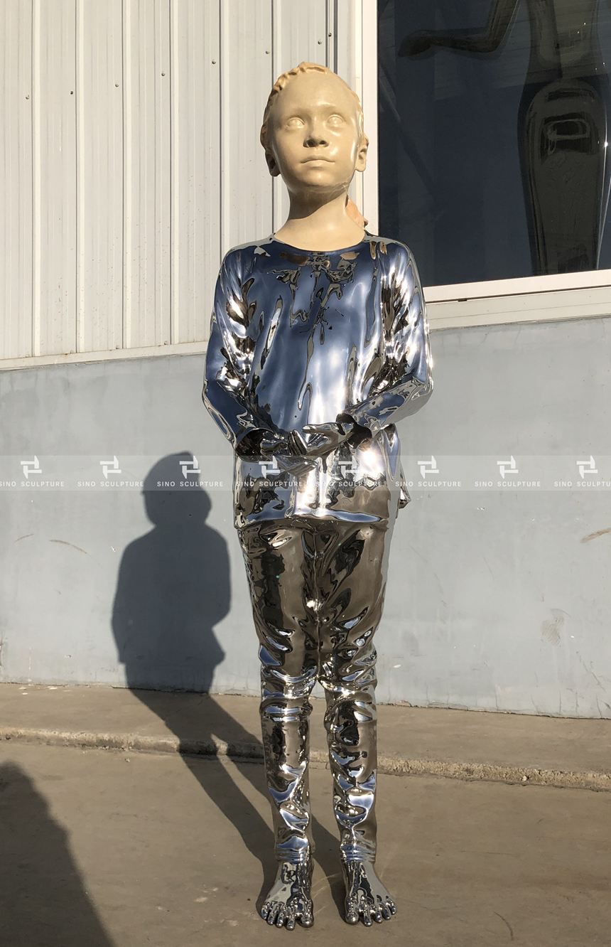 Stainless steel figure sculpture-Reflection