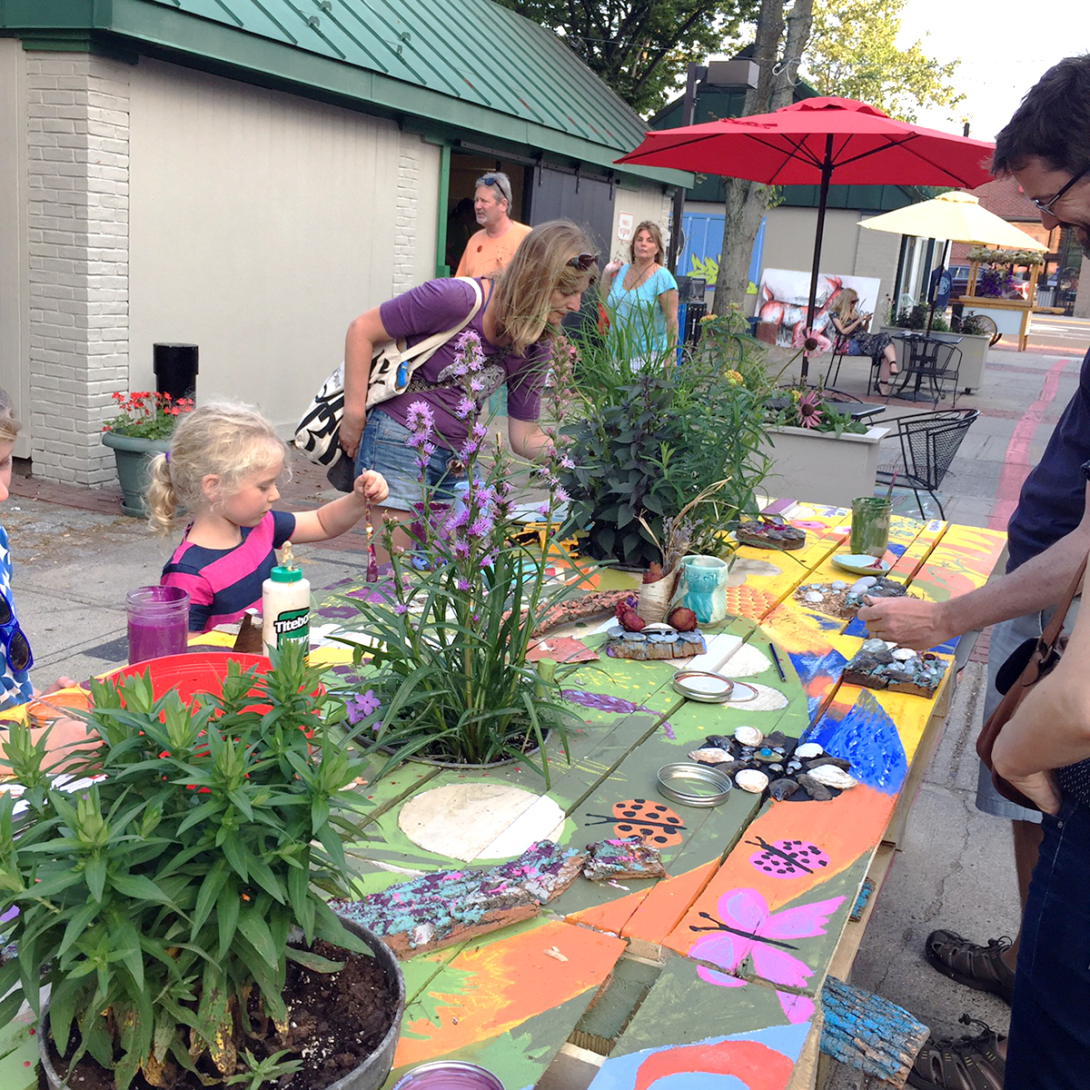 Community Table for People Pollinators