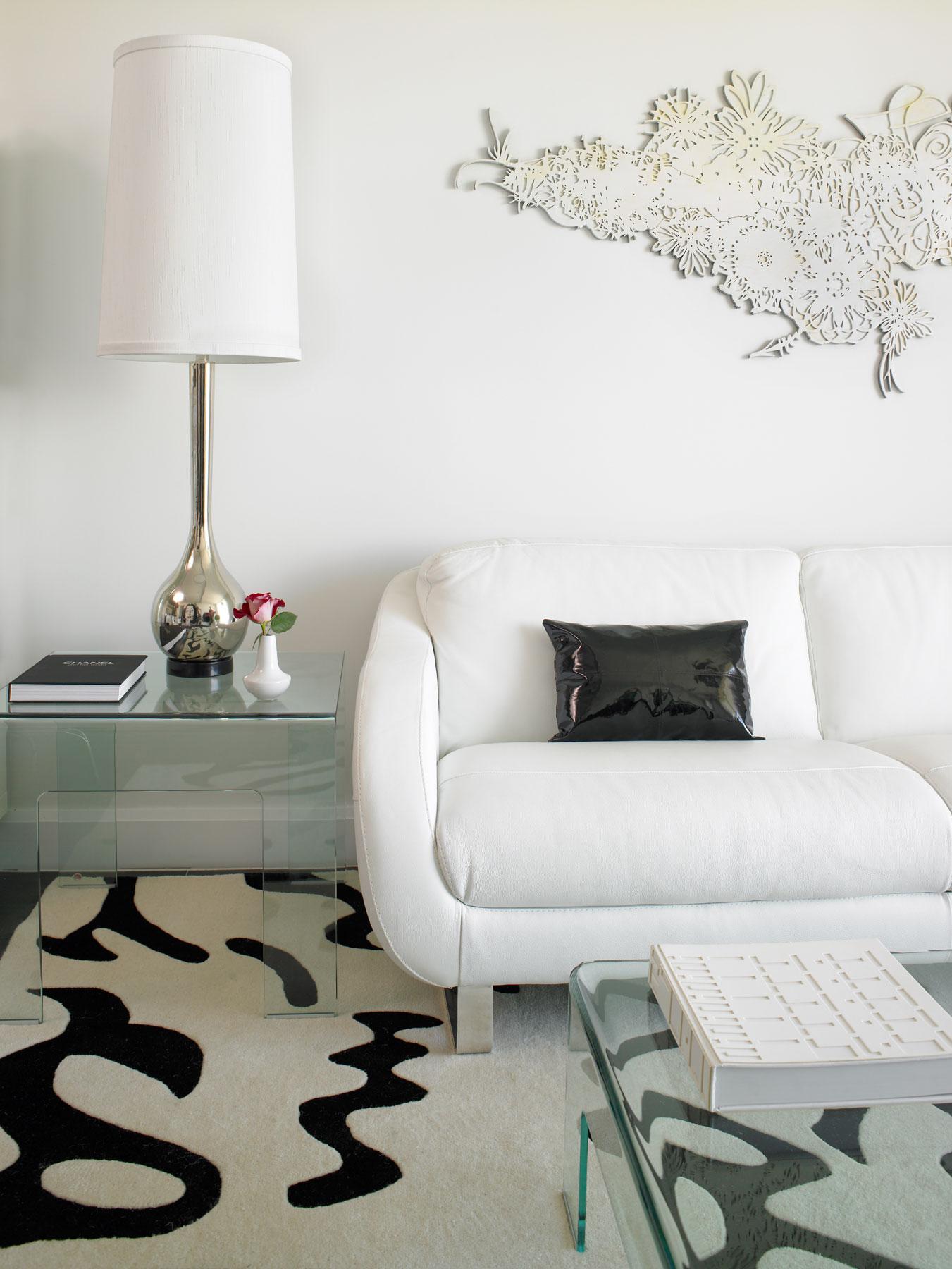 White on Wood Graphitti
