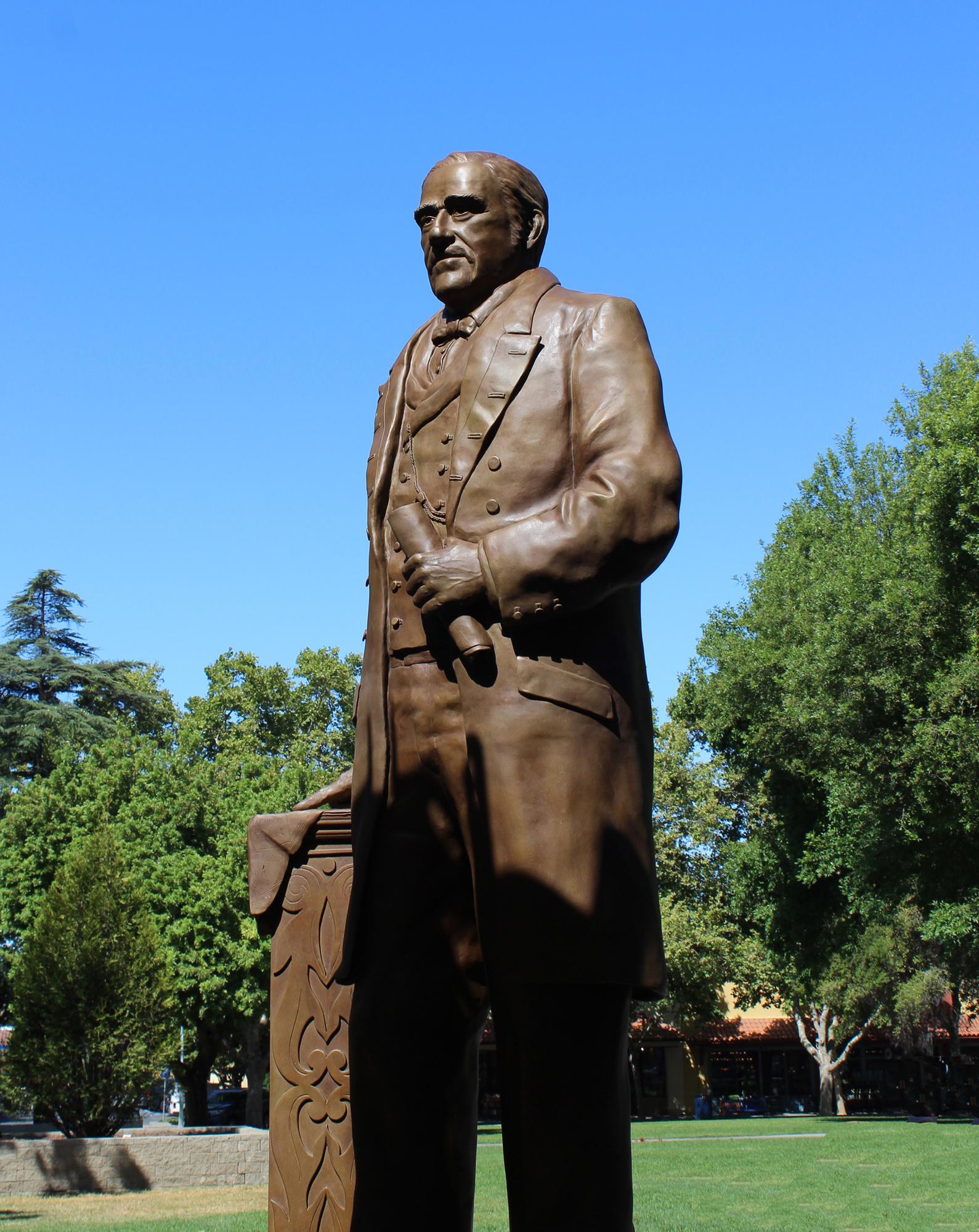 Don Salvio Pacheco Monument
