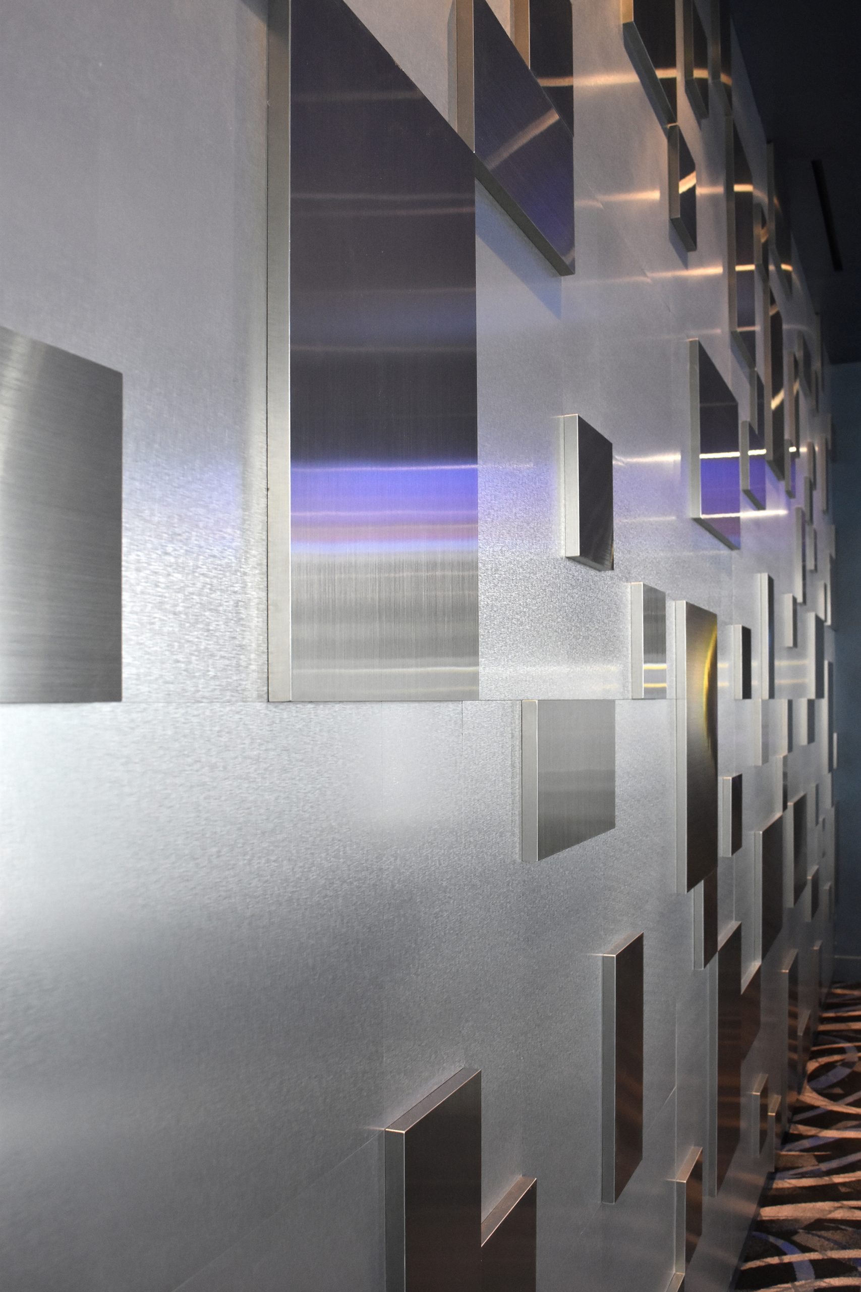 Fifth Avenue Club – 3D Sculpture Wall