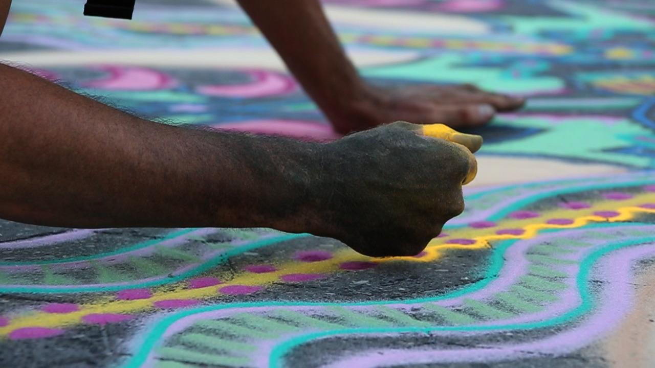 NYScenes – Joe Mangrum, Sand Painter