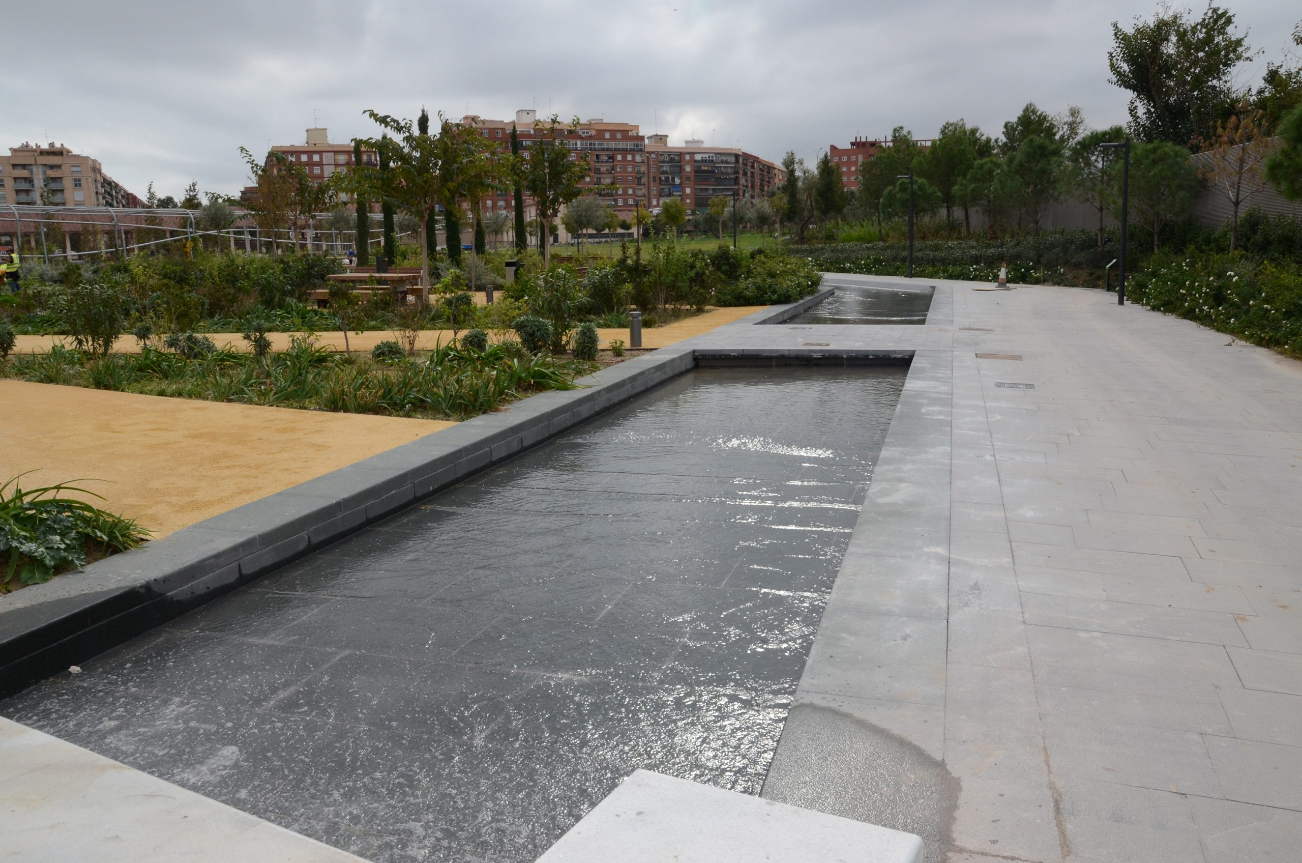 Waterscapes At Parque Central