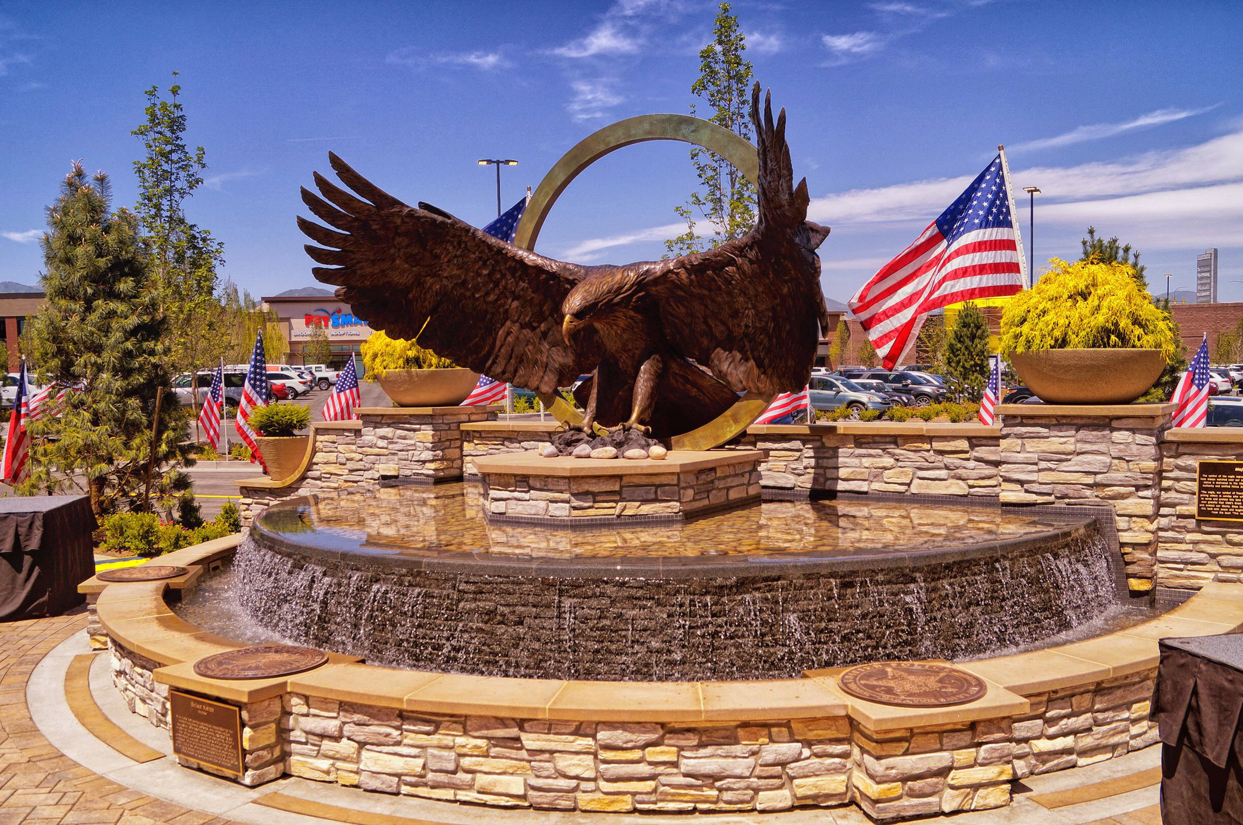 Majestic – 13-foot eagle for Mountain View Village