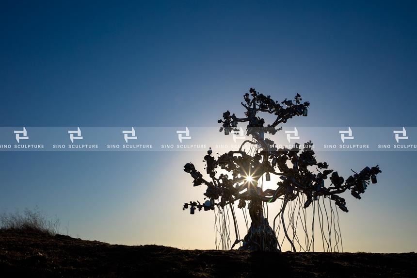Mirror Polishing Stainless Steel Tree Sculpture-People Tree