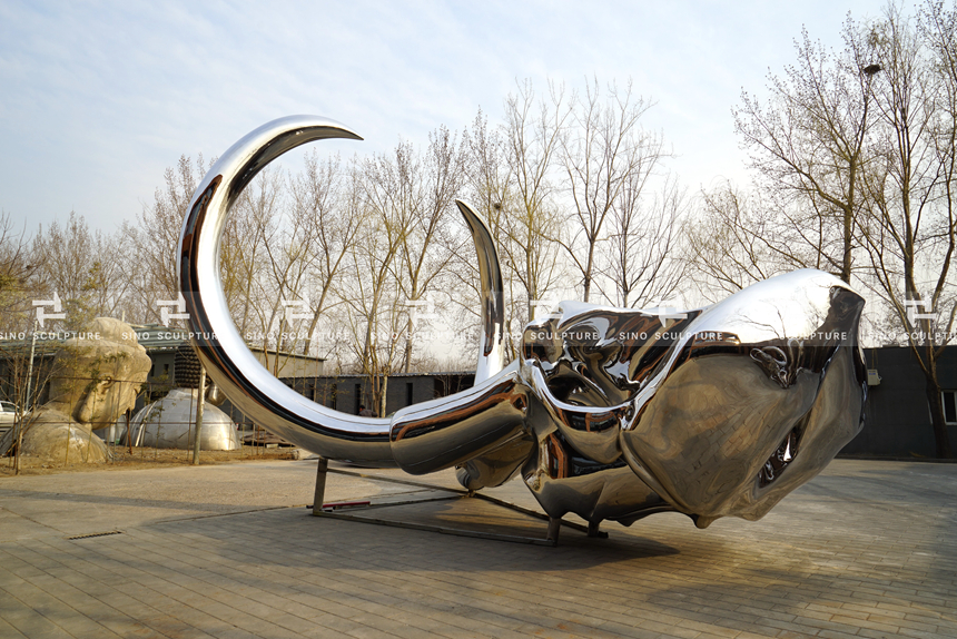 Mirror Polished Stainless Steel Mammoth Skull Sculpture