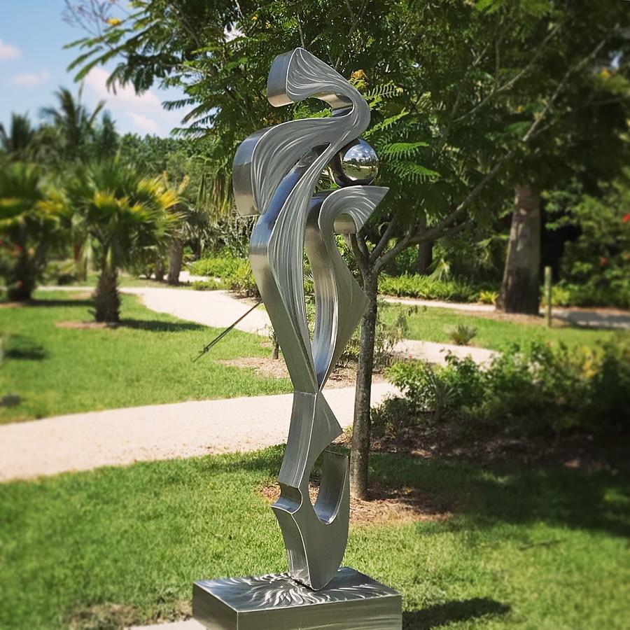 Paradise Palms and Sculpture Garden